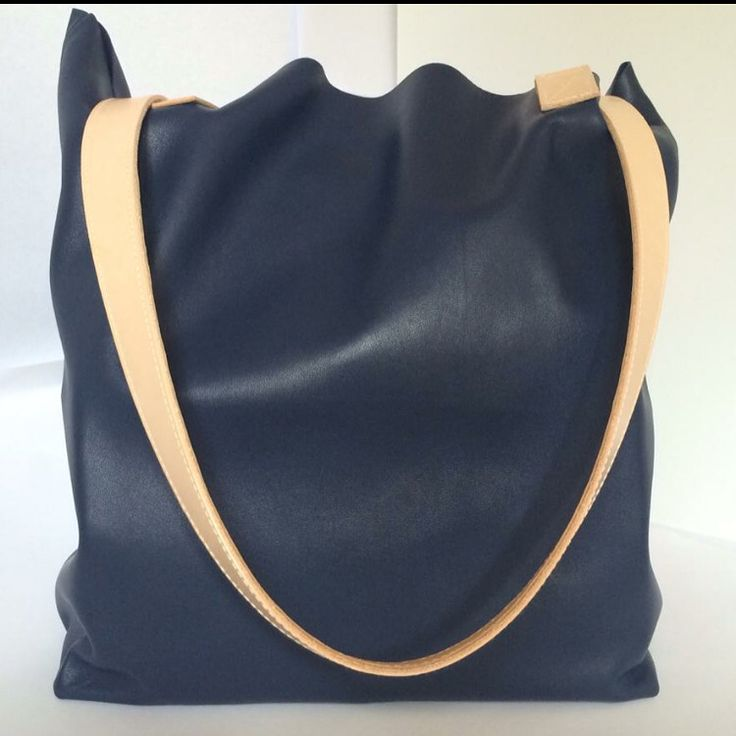 Asha in Navy leather