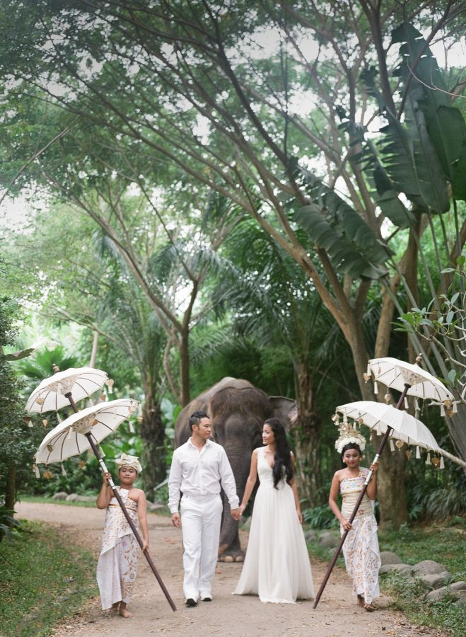 Dreamy Bali destination wedding: http://www.stylemepretty.com/destination-weddings/2015/09/16/romantic-elegant-bali-wedding/ | Photography: Blush Photography - http://blushphotography.ca/