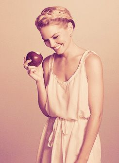 Jennifer Morrison...so cute! Love me some 'Once Upon a Time'!