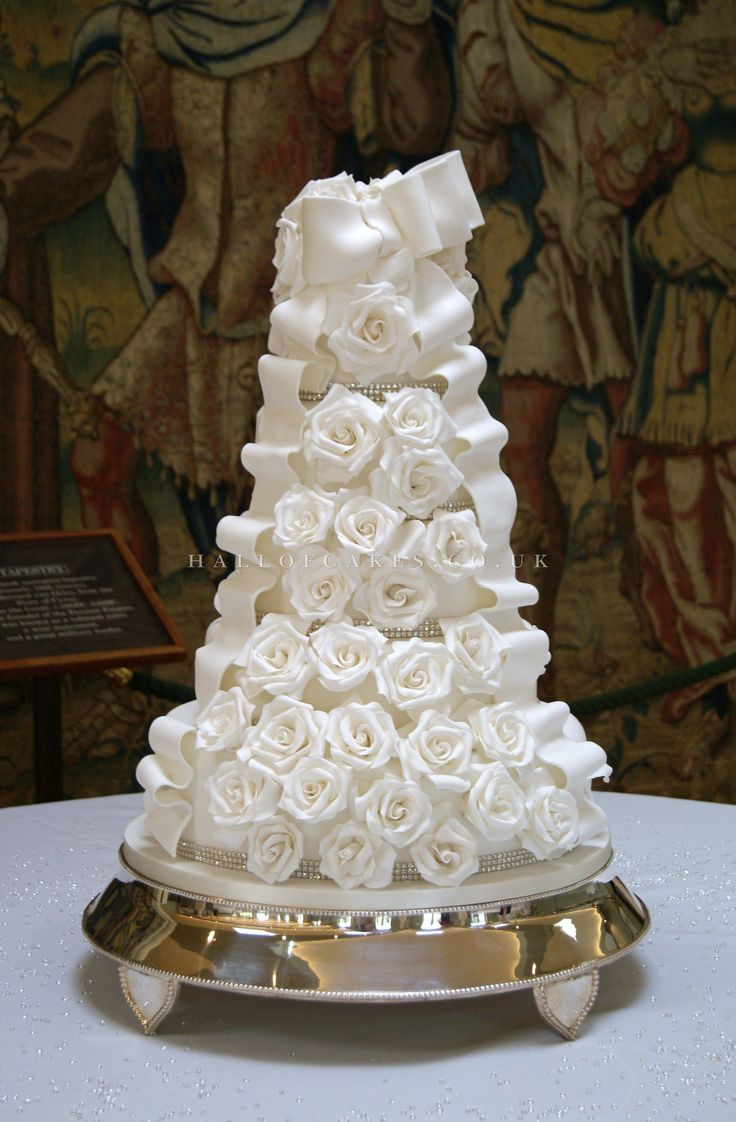 wedding cake with bows and bling les 57 meilleures images du tableau montee sur 26837