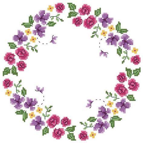 Renkli çiçekli en güzel Etamin masa örtüsü modelleri