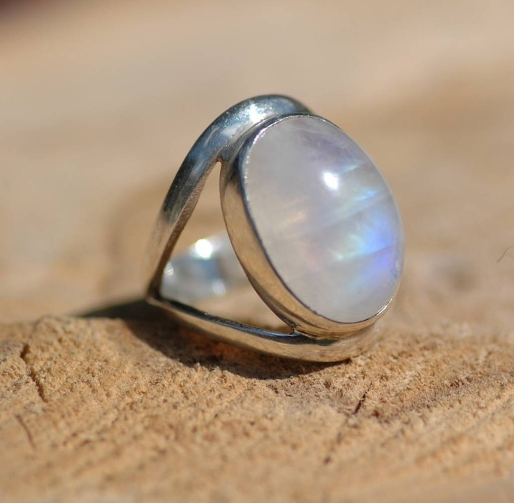 Ring Maansteen.....I love Moonstone and Sterling.
