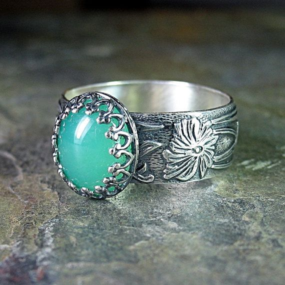 Renaissance Garden ring with choice of stone  (green onyx shown)   ...from LavenderCottage on Etsy