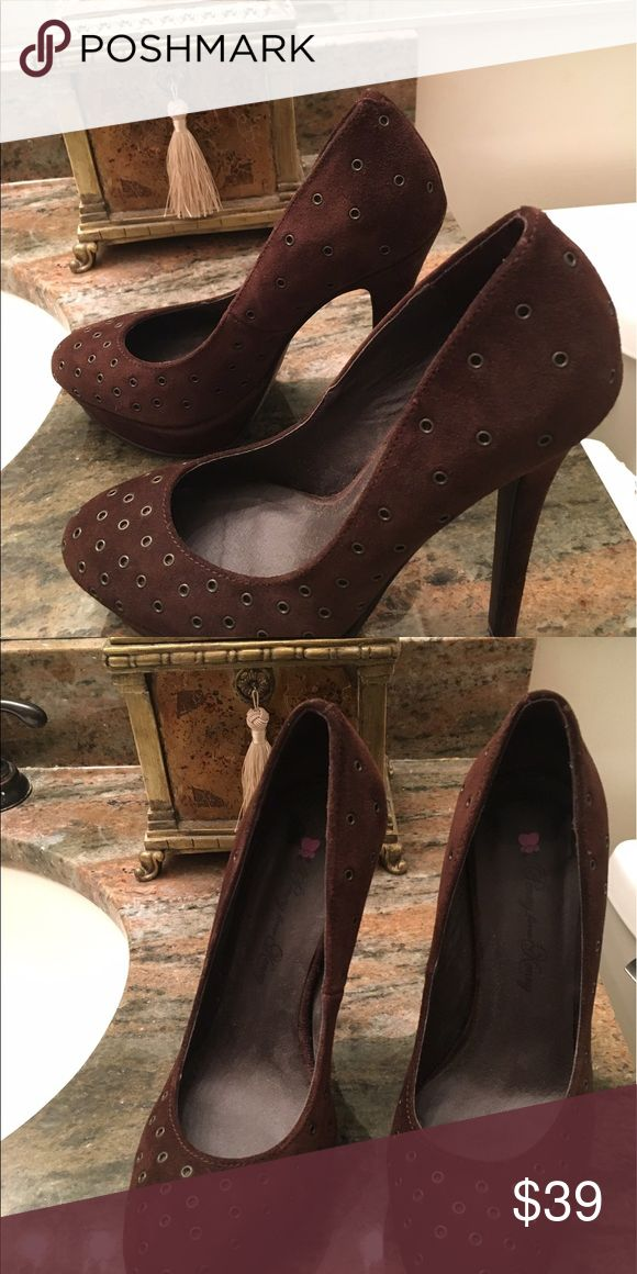"""Penny Loves Kenny brown suede platform pump Cool grommet details, size 7, heel approx 5"""" with 1"""" platform.  Worn just ONE time! penny loves kenny Shoes Heels"""