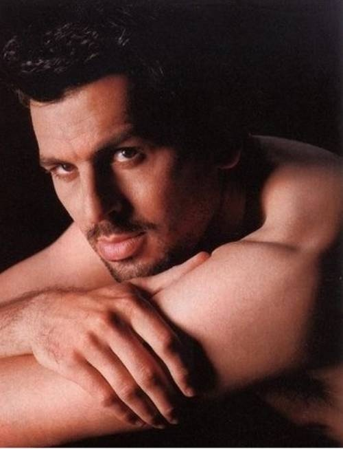 Oded Fehr: I'd let you carry me away to your Bedouin tent any time of the week. Keep me even - for as long as you want. (Translation: FOREVER)