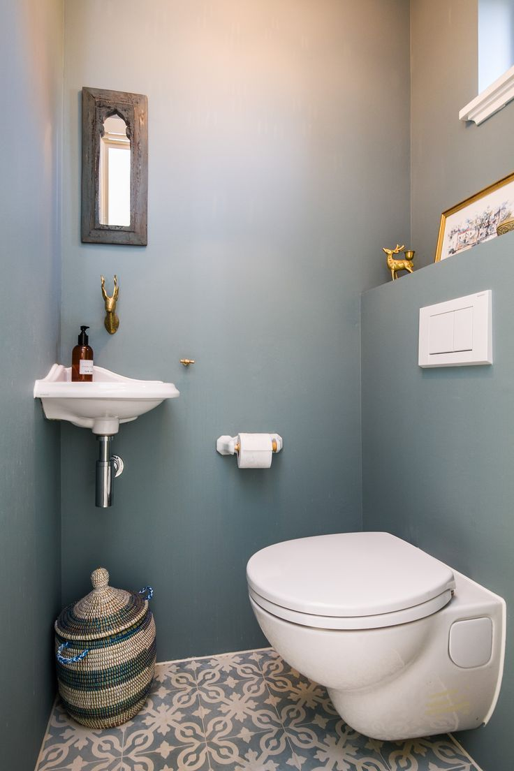 Beach house – tiny toilet – Toilet en badkamer – …