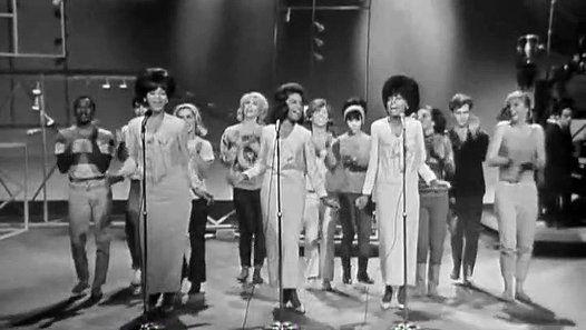 Vizionează filmul «Diana Ross & The Supremes - Baby Love» încărcat de Herbst Stefan pe Dailymotion.