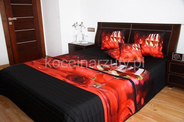 Elegancka narzuta czarna na łóżko z czerwonymi różami z kieliszkami