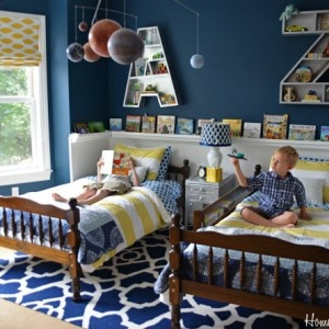 boys room...blue and yellow, except orange instead of Yellow