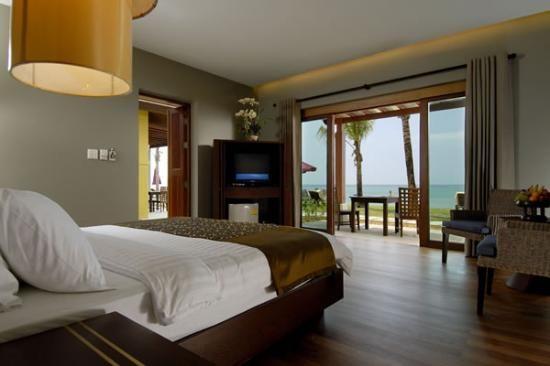 Chongfah Beach Resort