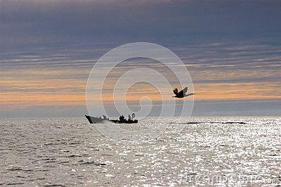 Pescadores En El Amanecer. - Descarga De Over 34 Millones de fotos de alta calidad e imágenes Vectores% ee%. Inscríbete GRATIS hoy. Imagen: 30963880