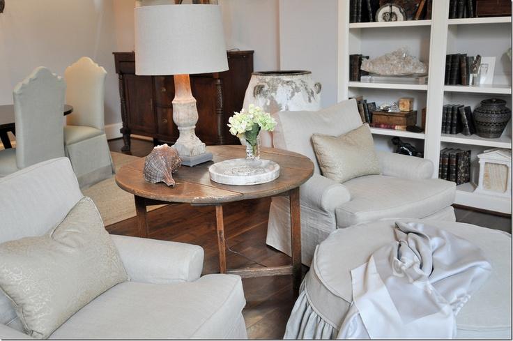 table and chairs - image via via cote de texas