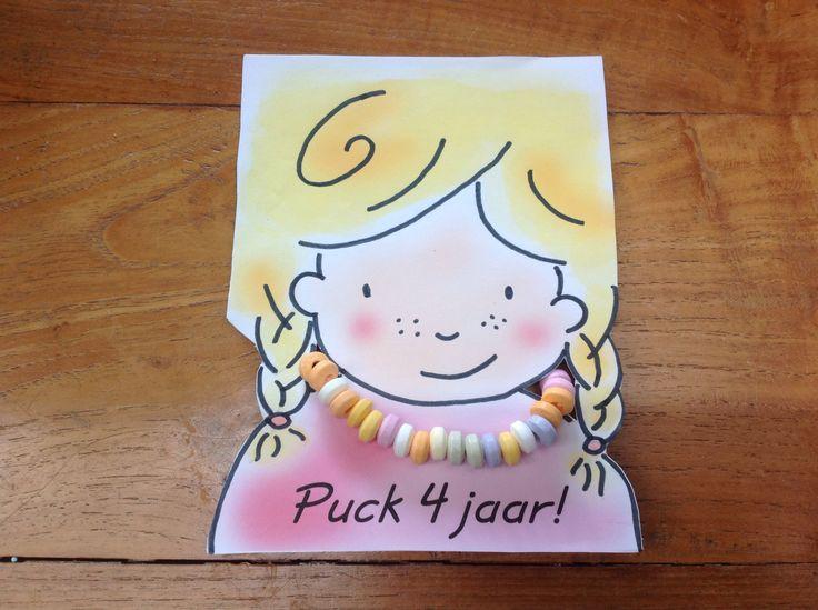 Traktatie blond meisje vanaf welke nagetekend en vlechtjes toegevoegd!