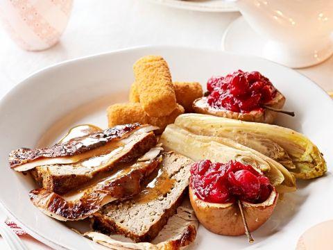 Kalkoen met gehaktbrood, gevulde appels en witloof -                         Libelle Lekker