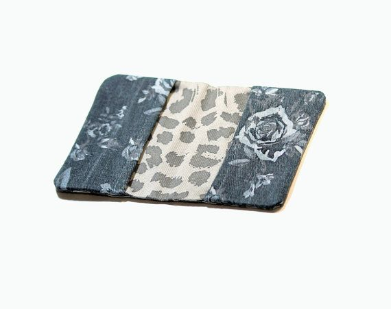 Sieh dir dieses Produkt an in meinem Etsy-Shop #freshwind8 #damenwallet #slimwallet #travelwallet #travelcreditcardholder  https://www.etsy.com/de/listing/505633475/womens-kreditkarteninhaber-kreditkarten