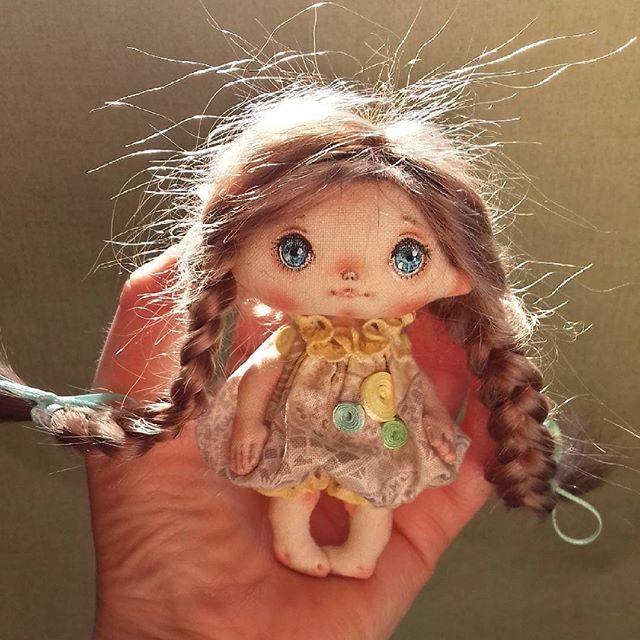 Дом нашла! #кукла #кукларучнойработы #текстильнаякукла #mini #мастеркрафт…