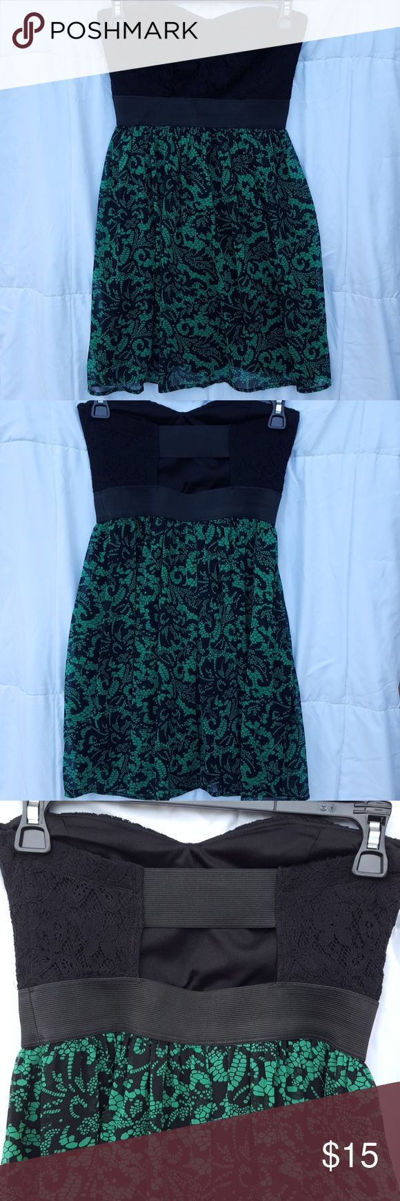 💥SALE💥 Wet Seal tube top dress 💥SALE FOR LIMITED TIME ONLY💥  Flowy tube top dress. Black and green in color. Size small. Wet Seal Dresses Strapless