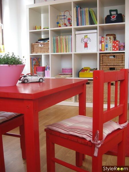 the boo and the boy: Ikea's Expedit in kids' rooms