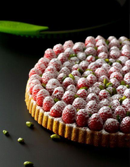 Tarta de pistacho y frambuesas