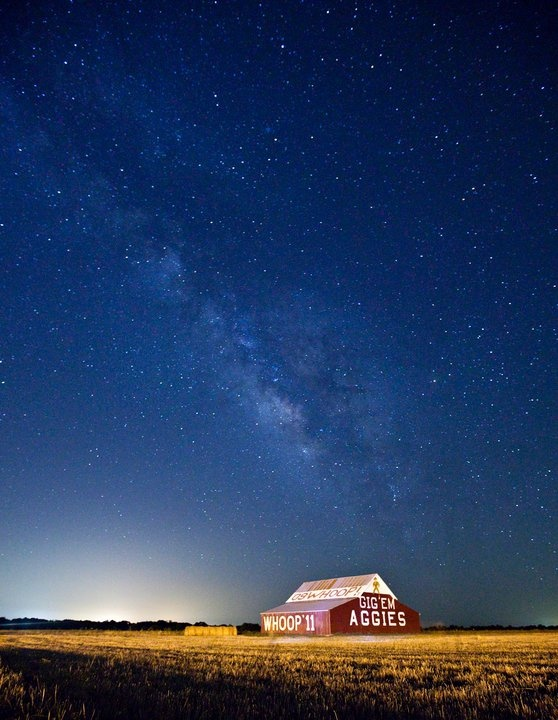 How well can you see the Milky Way.    The night sky in Reagan,Texas