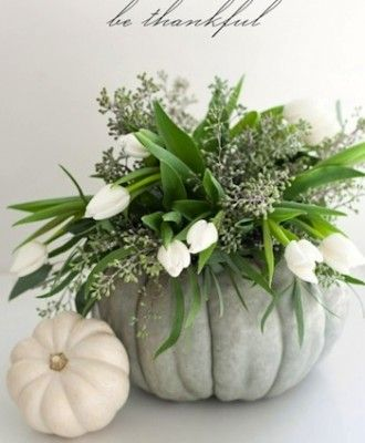 beautiful Thanksgiving centerpiece. Love that is a different color than typical fall colors.