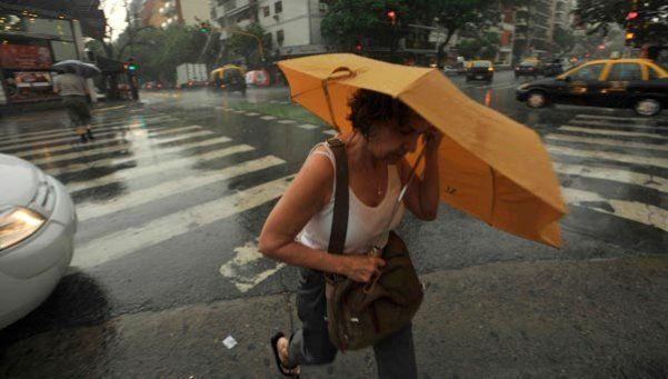 Llegó la lluvia y el alivio: hay alerta meteorológica por tormentas fuertes