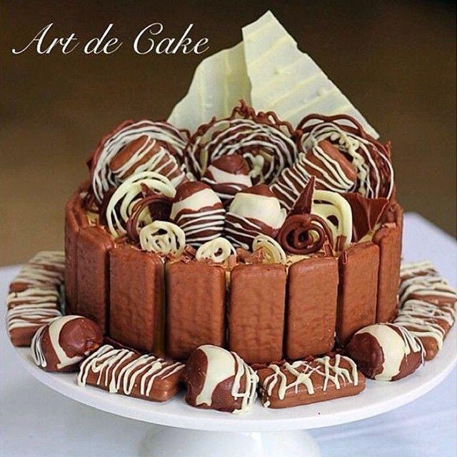 Tim Tam Cheesecake with White and Dark Chocolate Cheesecake Chocolate Covered Strawberries Chocolate Swirls and White Chocolate Shards on Top!  awesome #cakestotaste from: @art_de_cake    mention your cakelover friend!!   via #cakeguide #cakemenu #kue #kueenak #kuelucu #kueonline #indonesiaphotographers #cake #cakes #cakeart #cakedesign