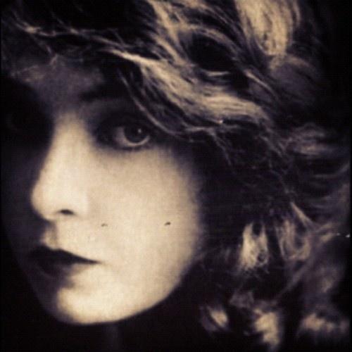 eerily beautiful, Lillian Gish