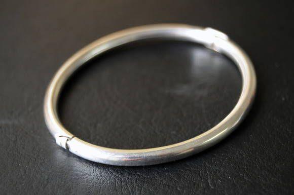 Algema de prata com diametro interno de 6 cm. R$ 150,00