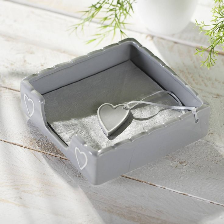 Serwetnik Heart grey, 18x18x6cm - Dekoria #dekoracje #decoration #dom #home #salon #idea #inspiration #inspiracje