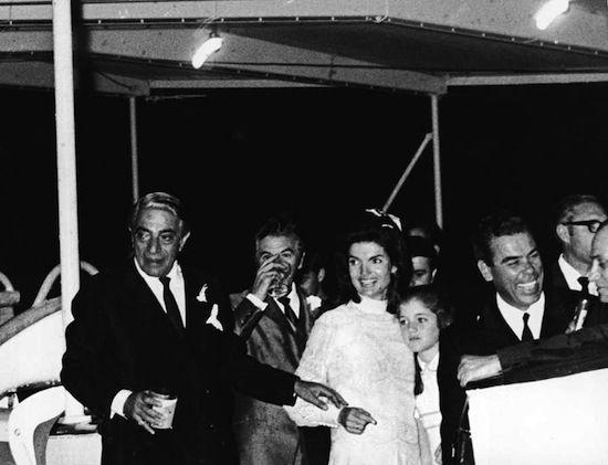 Ziua în care Jacqueline Kennedy a devenit Jackie O. – Editor's Picks   Catchy