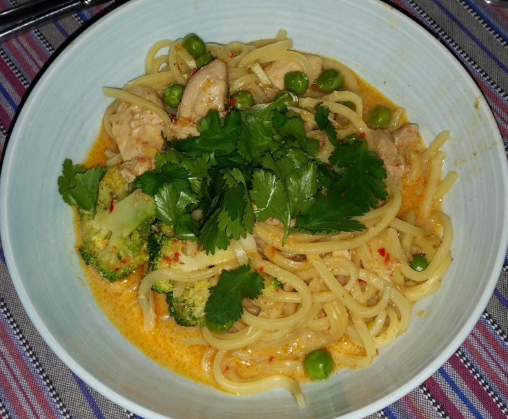 Red Thai Chicken Curry with Noodles / thermomix