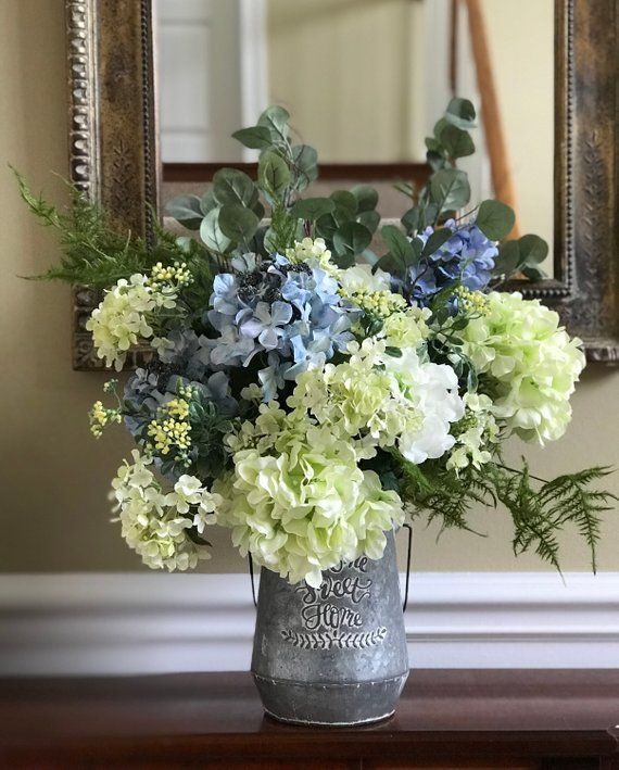 Hydrangea And Rose Arrangement Rustic Farm House Deco Foyer Etsy In 2020 Hydrangea Arrangements Rustic Flower Arrangements Silk Hydrangeas Arrangements