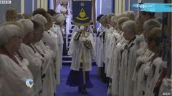 The secret world of female Freemasons - BBC News Published on Nov 8, 2017 Think of the Freemasons and you probably think of a shadowy world of secret handshakes and dark allegations of corruption and even conspiracy. But how true is that? In a UK first Victoria Derbyshire reporter Claire Jones was given access to see exactly what goes on behind the scenes in the initiations, ceremonies and rituals of female Freemasons.