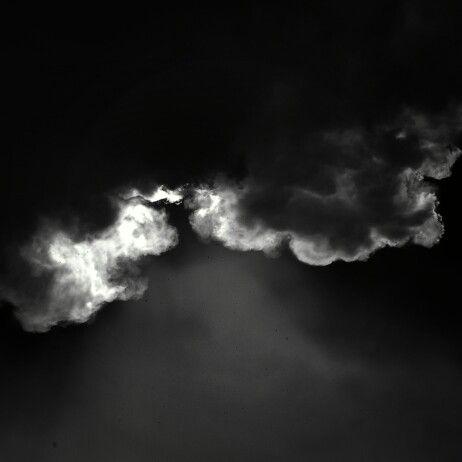볕은 인간의 우울증을 완화시킨다. 미용때문에 우울함을 배가시킬 필요까지야... #네오펜슬 #neopencil #sun #햇빛 #우울 #gloom