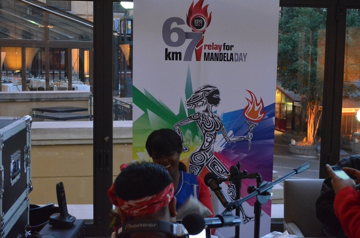 180 with Bob broadcasting live from Nelson Mandela Square at Pappas Cafe. Live broadcast for Kaya FM 67KM Relay for Mandela Day.