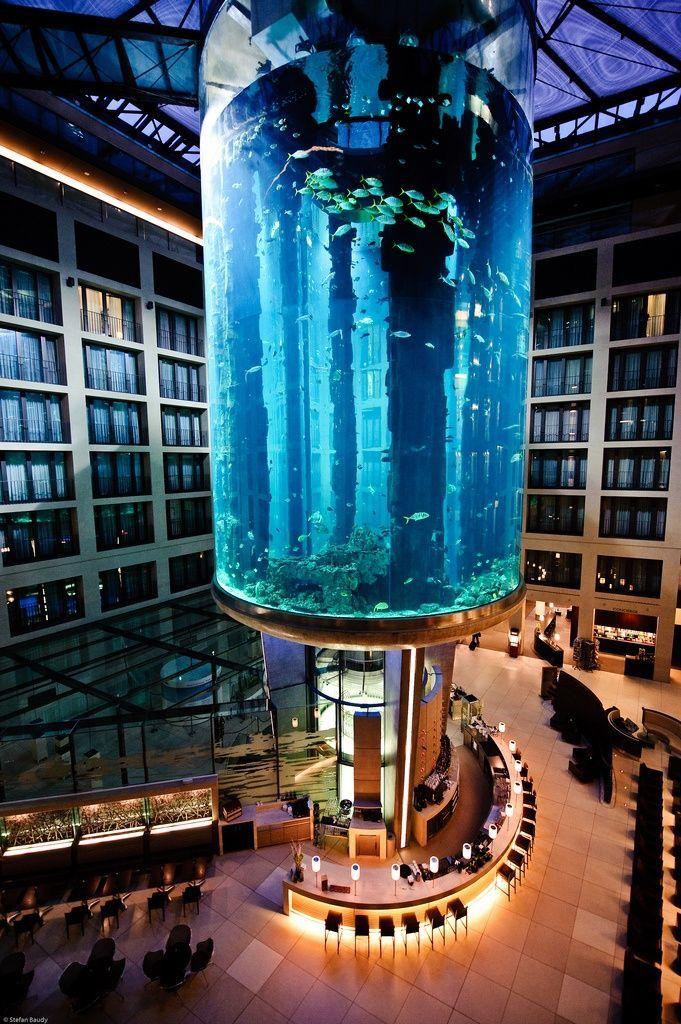 Kurfürstendamm Hotel: Das Wyndham Berlin Excelsior bietet elegante Hotelzimmer & Suiten, moderne Tagungsräume, Restaurant & Bar.