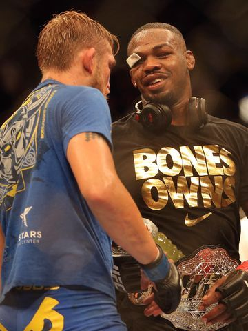 Jon Jones survives Alexander Gustafsson at UFC 165 Jon Jones congratulates Alexander Gustafsson (left) after Jones' victory in their light heavyweight championship bout at UFC 165 at the Air ...