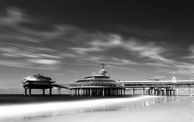 The Pier, Scheveningen, The Netherlands - By P1nc  Maarten van den Berg