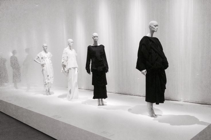samanthamilne:  (left to right) Yohji Yamamoto SS83, Comme des Garçons SS83, Comme des Garçons AW83-84, Comme des Garçons AW83-84 at the official opening of Future Beauty: 30 Years of Japanese Fashion, Gallery of Modern Art