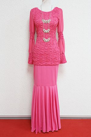 Kurung Moden Adelin (Pink). Available in M-L size. Only RM145.