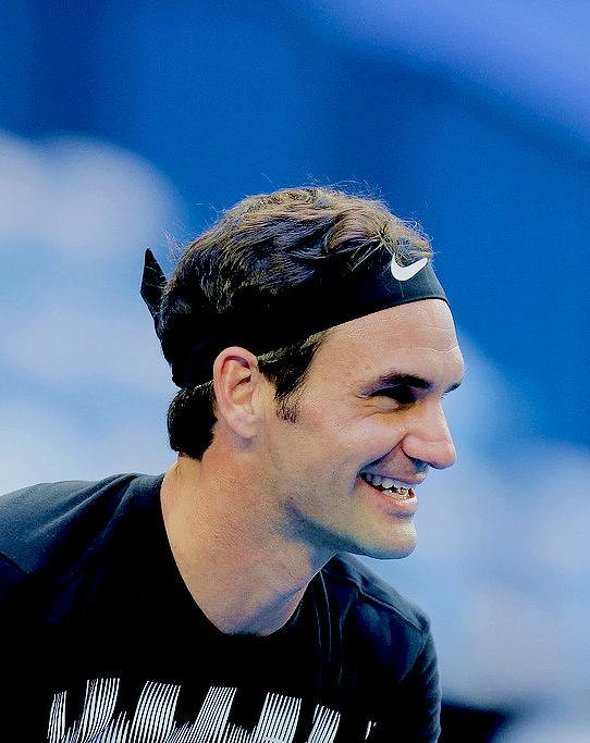 """""""Roger Federer during a practice session at the Hopman Cup in Perth, Australia on December 29, 2017 """" """""""