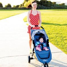 Get fit with this month-by-month walking/jogging plan that takes you to your baby's first birthday! Awesome, definitely pin-worthy.