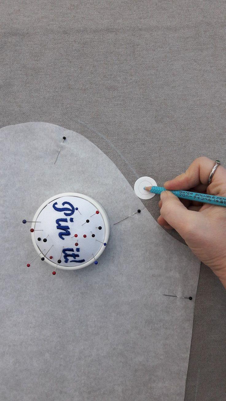 Für die perfekte Nahtzugabe: Eine Pappscheibe mit einem Durchmesser von 2