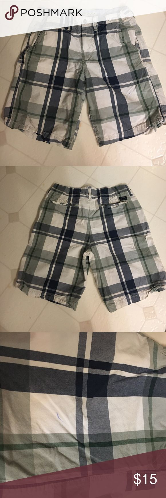 Men's plaid shorts American Eagle classic length blue, white & grey plaid shorts. Small ink stain on front shown in picture. American Eagle Outfitters Shorts Flat Front