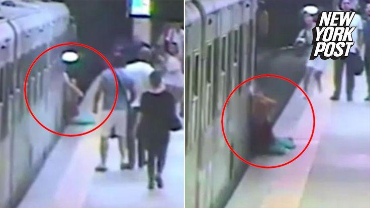 "Woman dragged by train after getting bag caught in door Sitemize ""Woman dragged by train after getting bag caught in door"" konusu eklenmiştir. Detaylar için ziyaret ediniz. http://www.xjs.us/woman-dragged-by-train-after-getting-bag-caught-in-door.html"