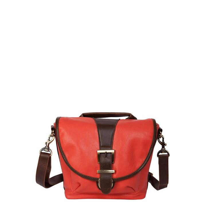 Riva:: kind of in love with this small bag.