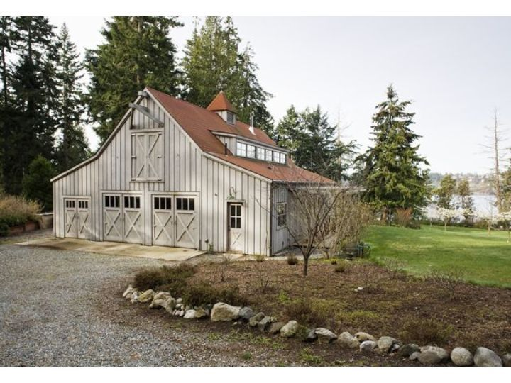 17 best images about shop on pinterest barn homes for House that looks like a barn