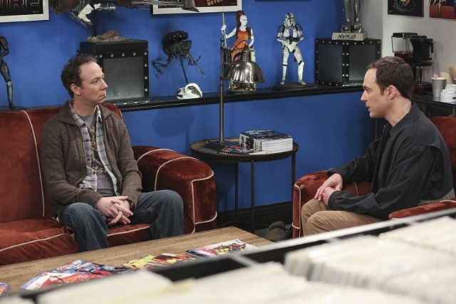Still of Kevin Sussman and Jim Parsons in The Big Bang Theory (2007)