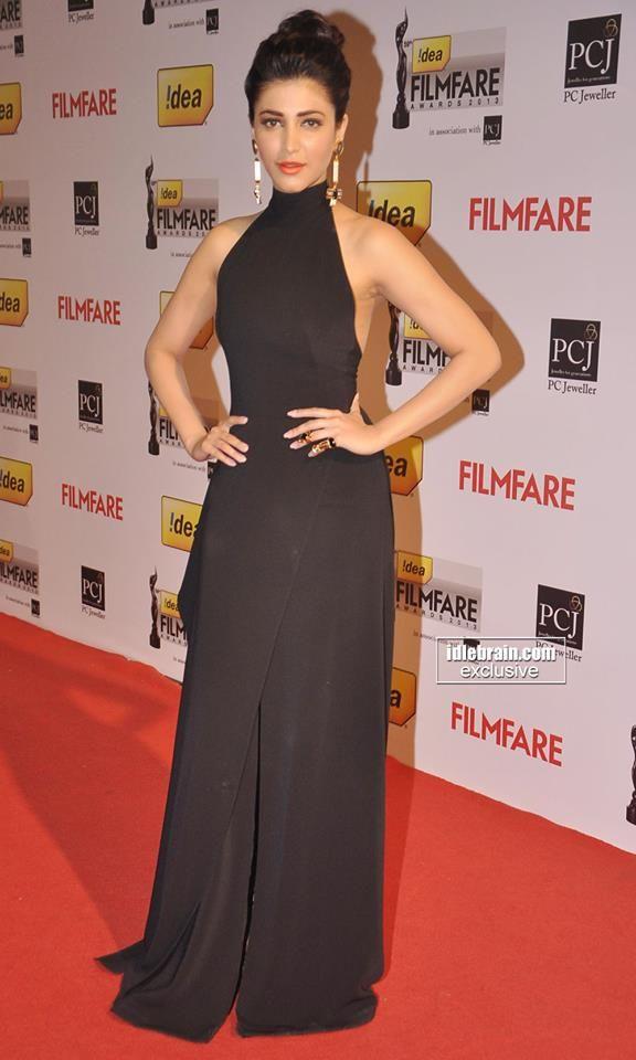 Shruti Haasan at Filmfare Awards 2014